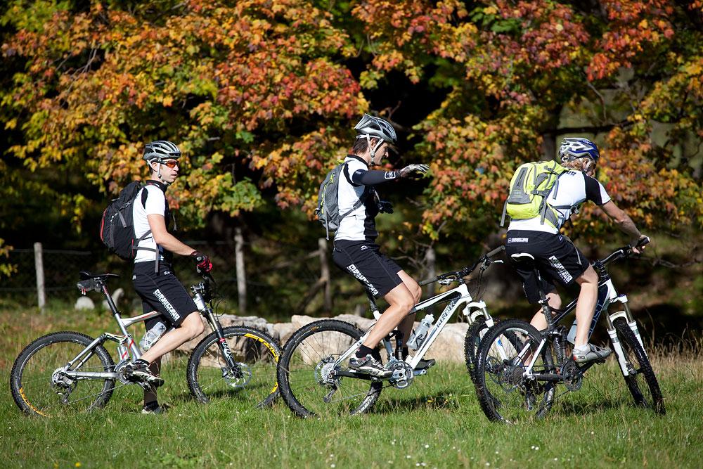 Fahrtechnik trainieren auf dem Mountainbike.
